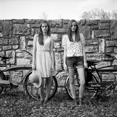 Saunders Sisters Portrait near Hyde Park in Austin, Texas
